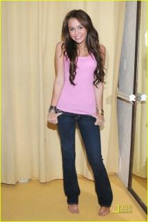 Miley Cyrus' Shopping Spree 1367451 Cyrus