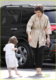 Tom Cruise Barefoot