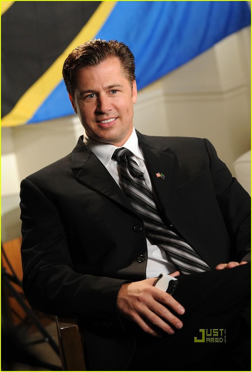 Doug Pitt Named Goodwill Ambassador Of Tanzania Photo 2444138  Brad Pitt Doug Pitt Pictures