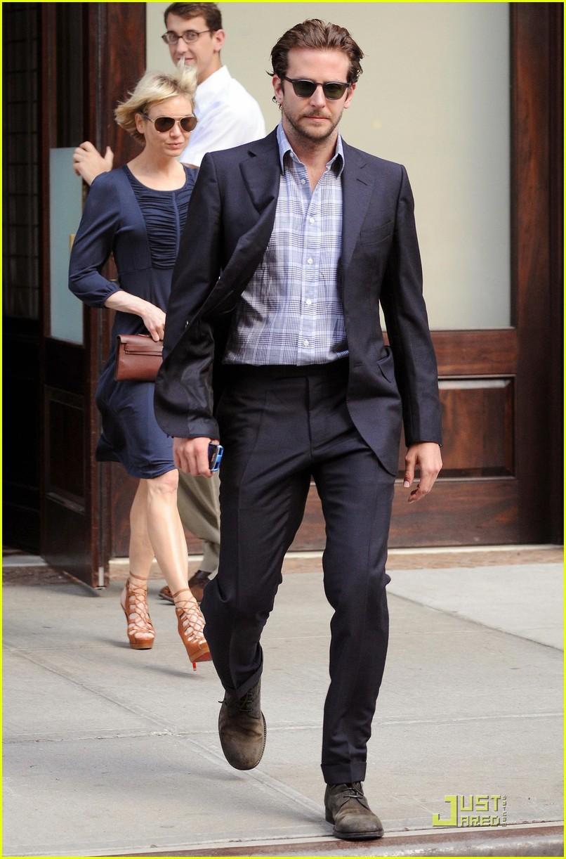 Bradley Cooper New Movie With M Night Shyamalan Photo