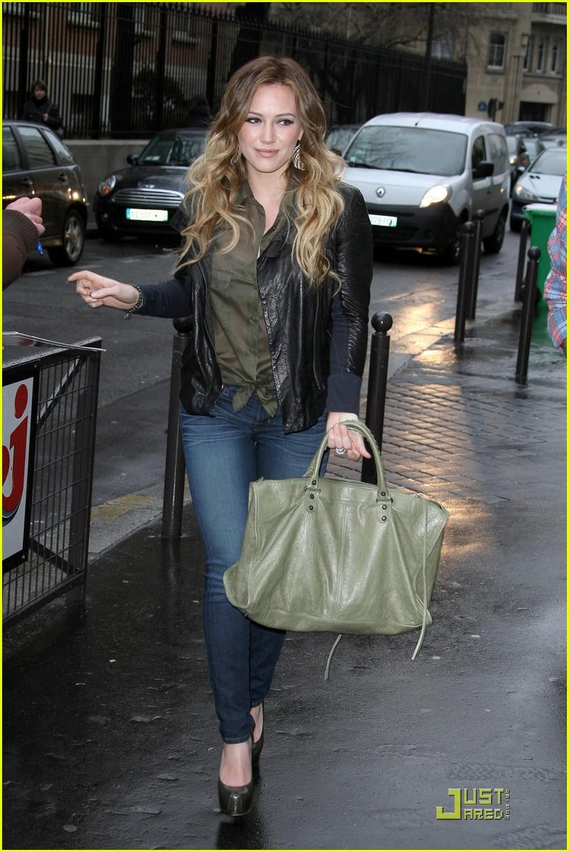 Hilary Duff Pretty In Paris Photo 2516427  Hilary Duff