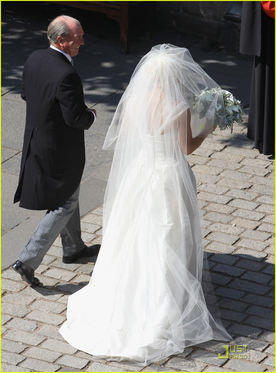 Prince William  Kate Attend Zara Phillips Wedding Photo 2565028  Kate Middleton Prince