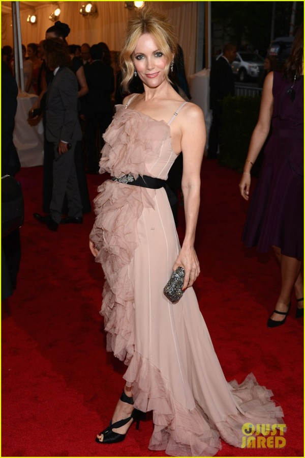 Leslie Mann Met Ball 2012 With Judd Apatow