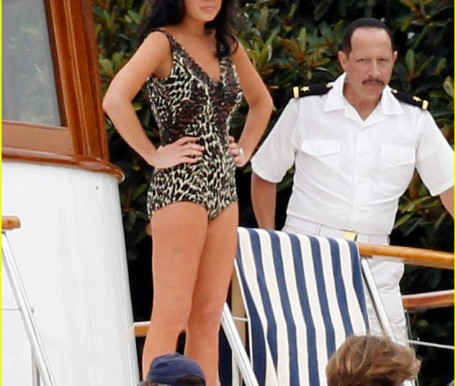 Lindsay Lohan Leopard Print Swimsuit For Liz Dick