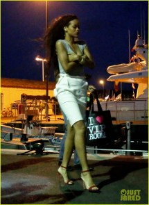 Rihanna Late Night Saint Tropez Stroll 2690449