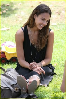 Full Sized Of Jessica Alba Park Playtime With