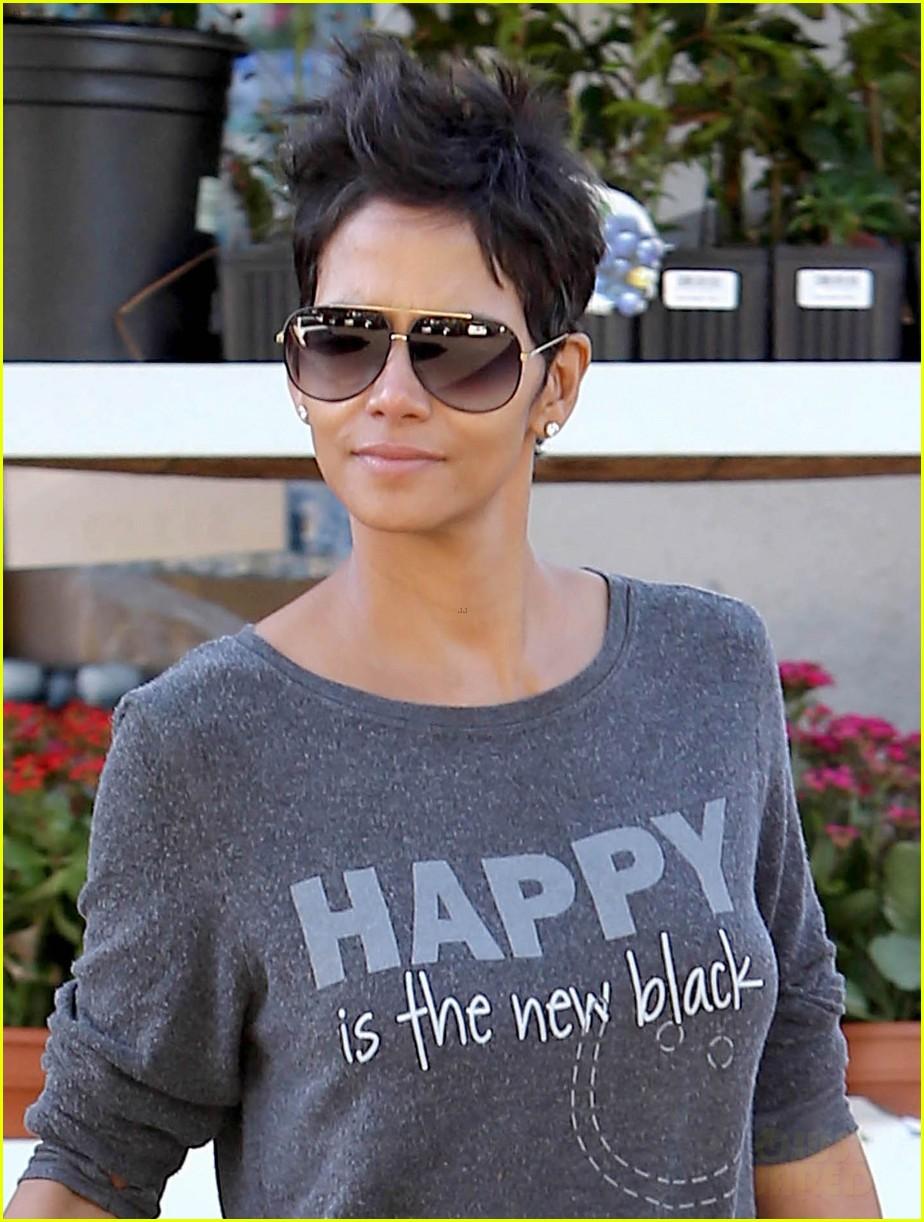 Halle Berry Happy is the New Black Photo 2744386