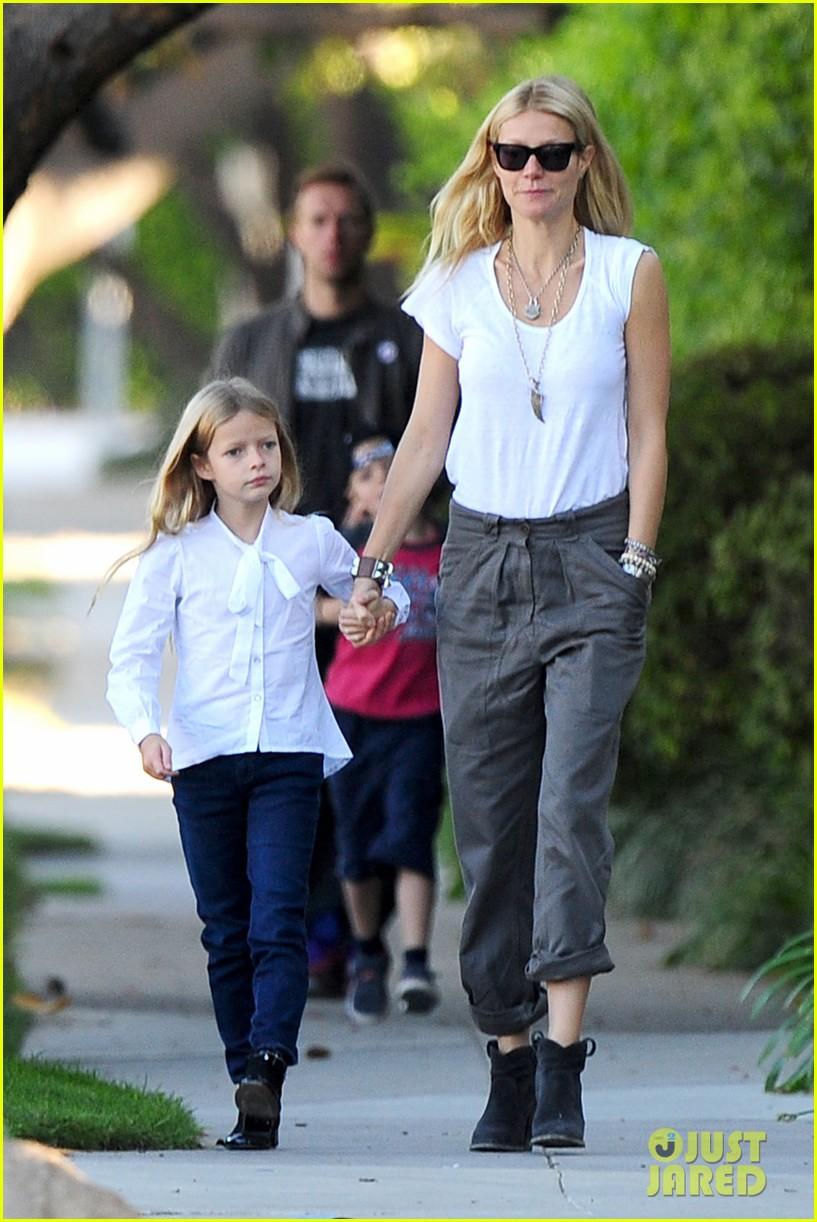 Gwyneth Paltrow  Chris Martin Family Walk to School