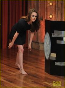 Kristen Stewart Barefoot 'late Night With Jimmy Fallon