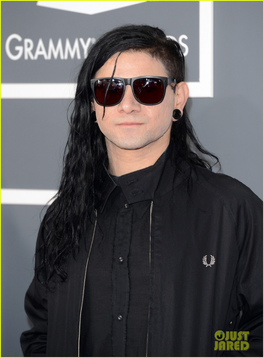 Skrillex Amp Diplo Grammys 2013 Red Carpet Photo 2809071