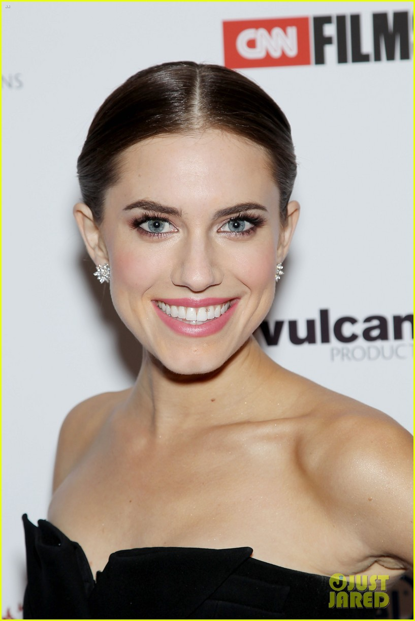 Allison Williams Covers 'Town & Country' April 2013: Photo ...
