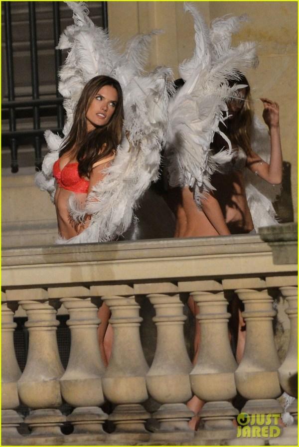 Behati Prinsloo & Lily Aldridge Angels Louvre Film Shoot 2954552 Alessandra