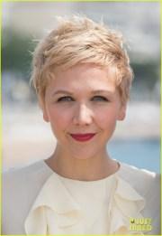 maggie gyllenhaal debuts dyed blonde