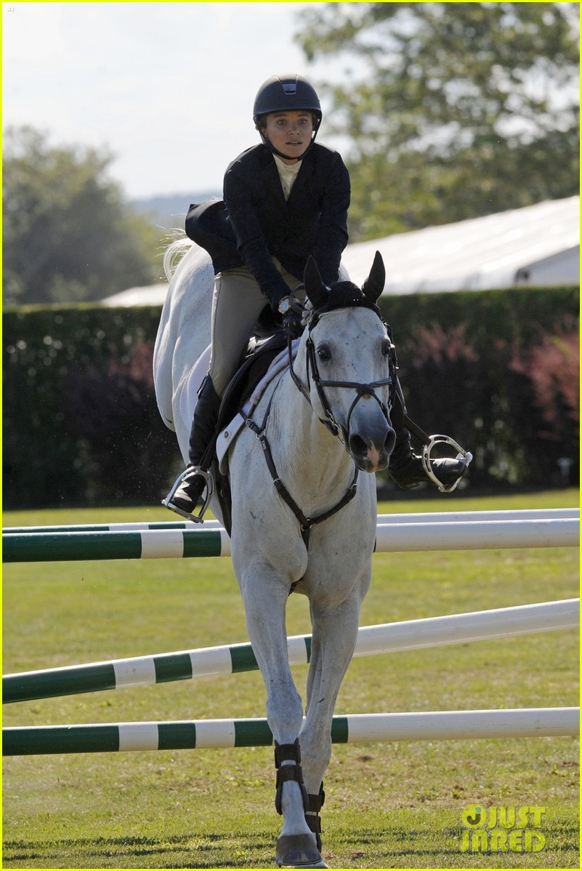 Mary Kate Olsen Adds Horseback Riding To Her Resume See