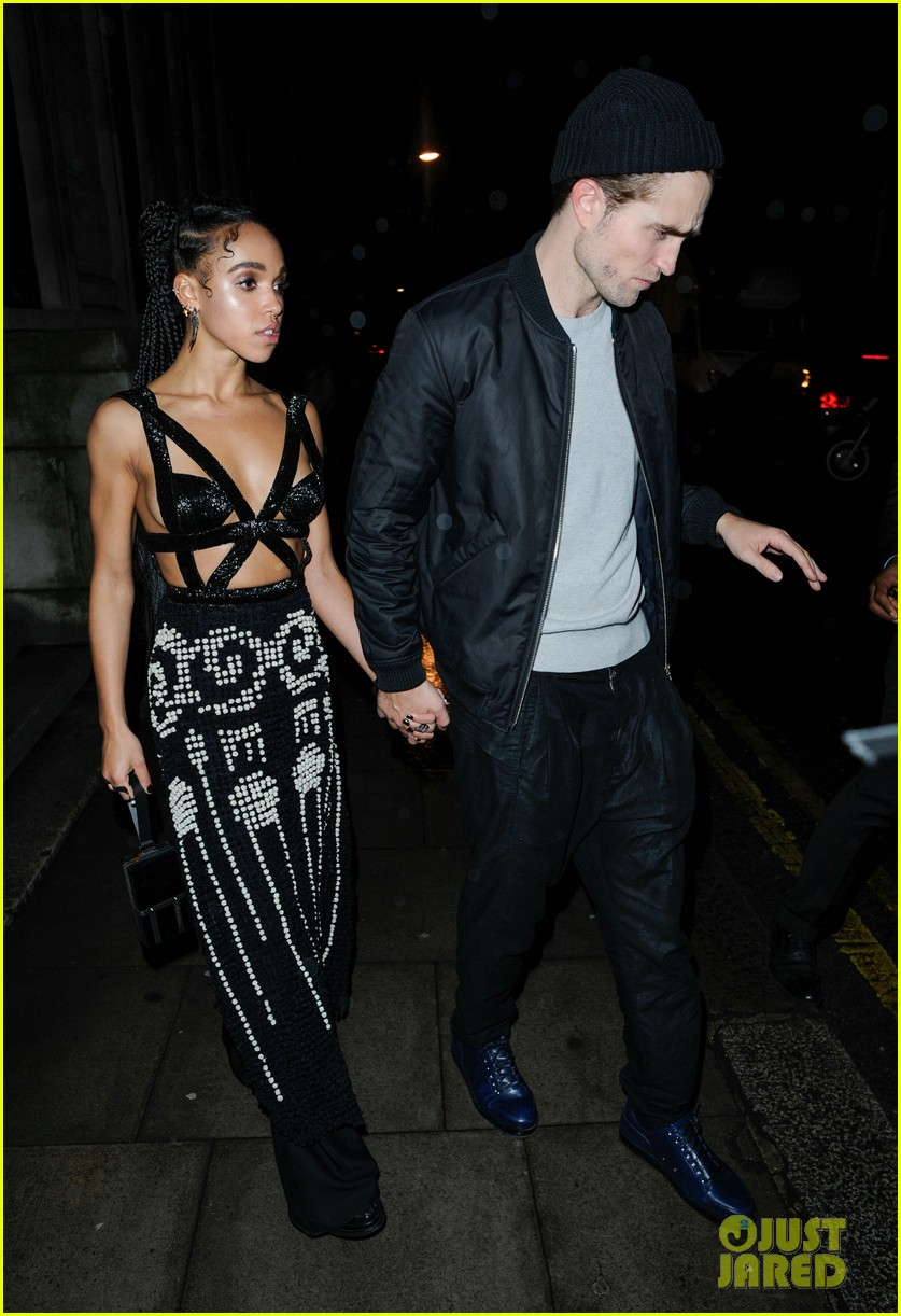 robert pattinson fka twigs hold hands at brit awards party 08