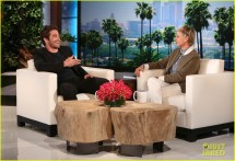Jake Gyllenhaal Reveals ' Single Opens Dating