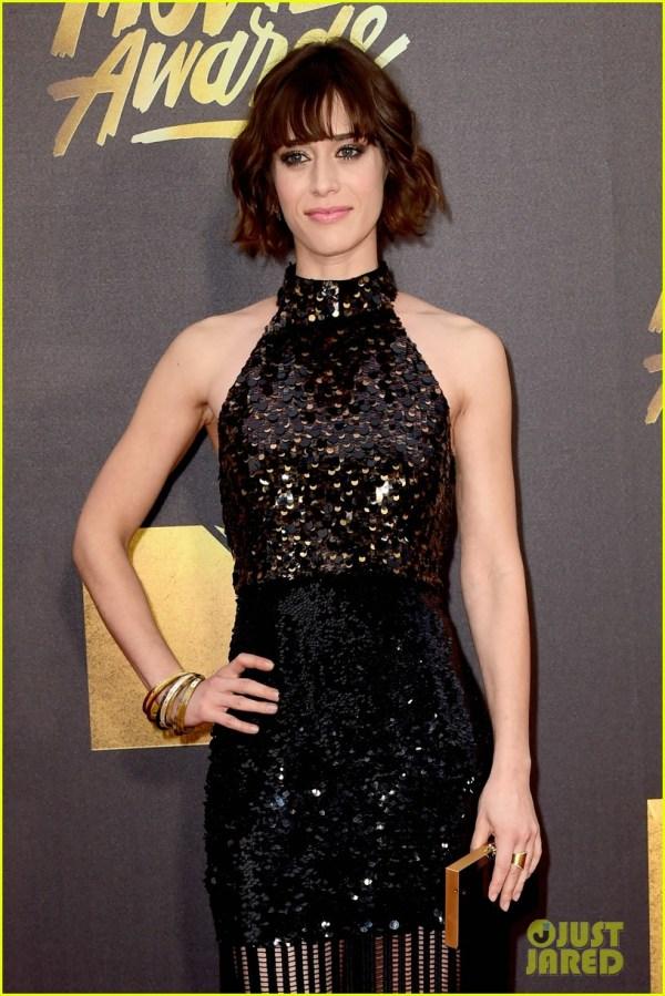 Melissa Mccarthy & Amy Poehler Win Mtv Movie Awards 2016 3627035