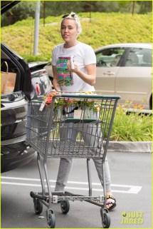 Miley Cyrus Steps Liam Hemsworth '