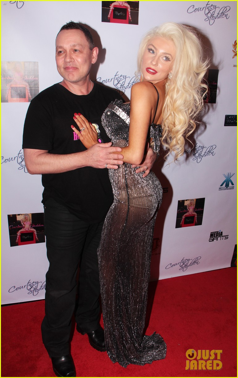 Courtney Stodden Is Pregnant Expecting First Child With