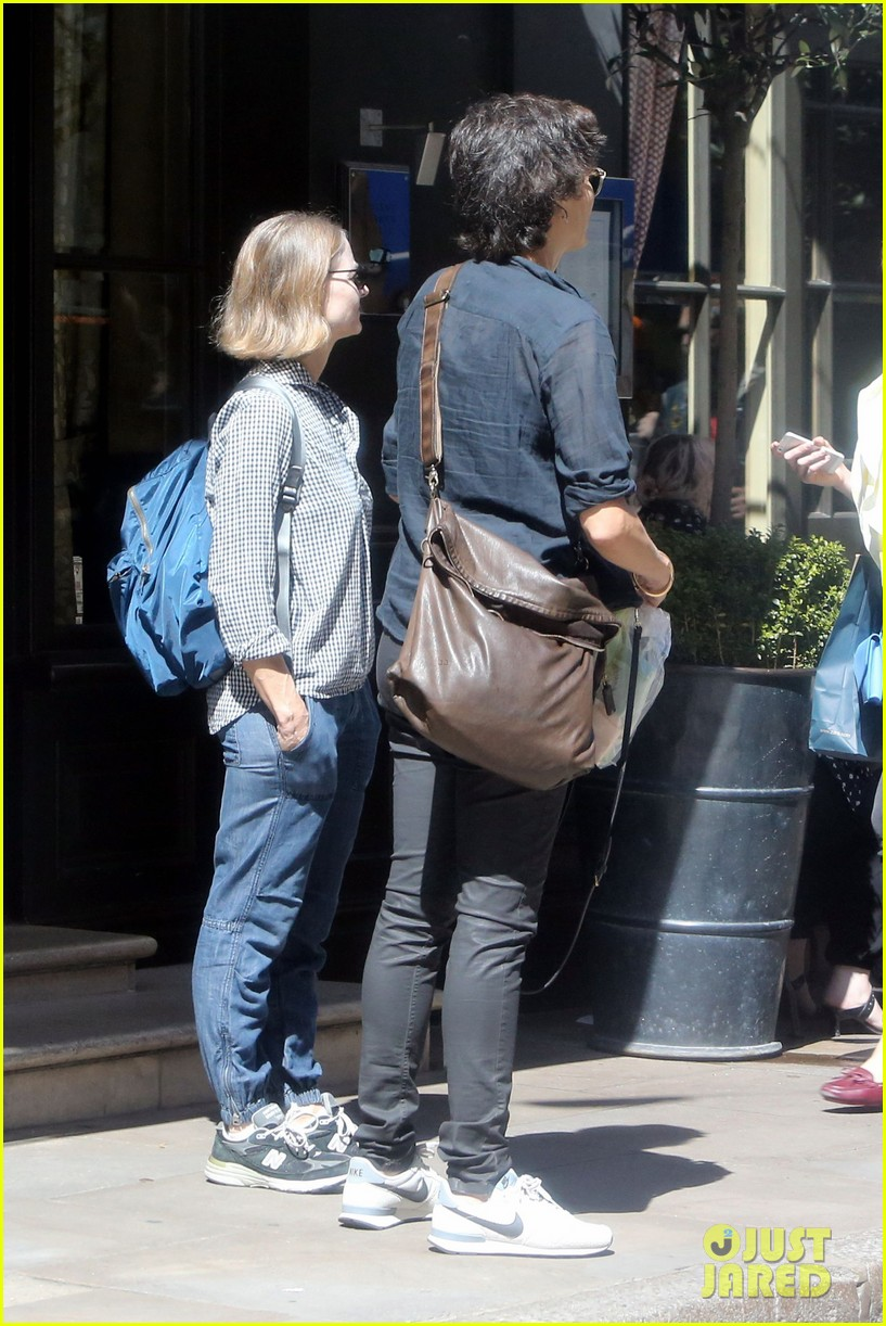 Jodie Foster  Wife Alexandra Hedison Take in the Sights