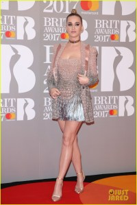 Katy Perry's Brit Awards 2017 Red Carpet Look Is So Fun ...