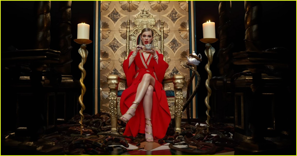 Image result for taylor swift look what you made me do music video