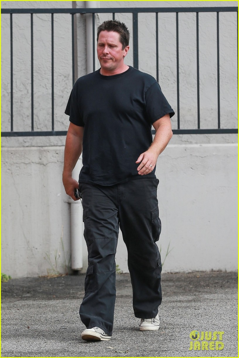 Christian Bale Grabs Lunch After Opening Up About Weight Gain Photo 3957854  Christian Bale
