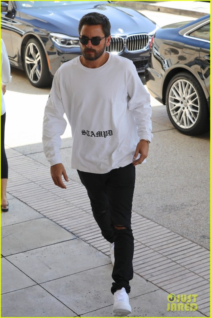 d0f9755f9c Scott Disick Sofia Richie Step Out For Lunch In Calabasas Photo