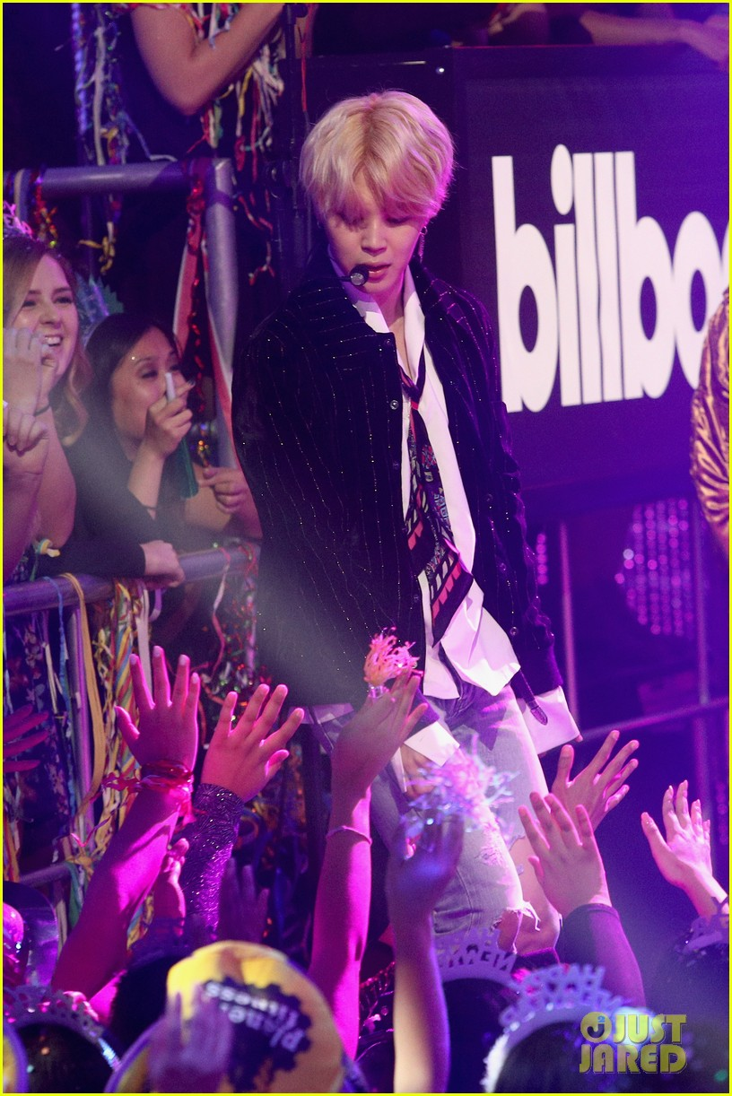 BTS Performs on New Years Eve 2018 Special  Watch Now Photo 4006284  2018 New Years Eve