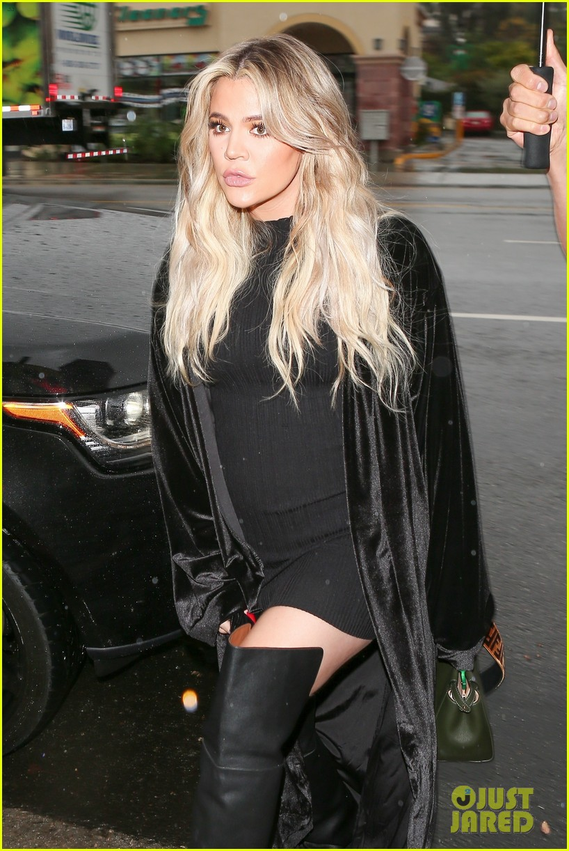 Pregnant Khloe Kardashian Wears FormFitting Dress for