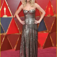 Hand Chairs Orange Wicker Chair Cushions Jennifer Lawrence Climbs Over Seats At Oscars 2018 With Wine In Her Hand!: Photo 4044286 | ...