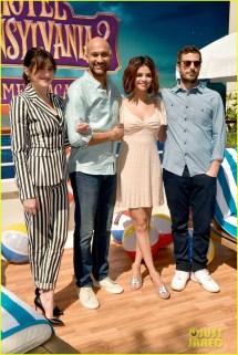 Selena Gomez & Andy Samberg Join -stars 'hotel