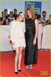 Kristen Stewart & Laura Dern Premiere 'jeremiah Terminator