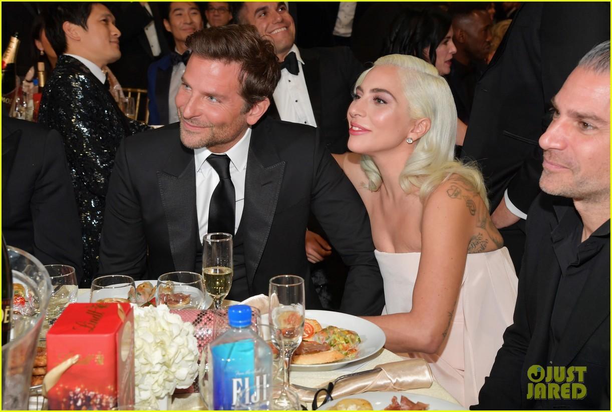 Bradley Cooper Cheers On Double Winner Lady Gaga At Critics' Choice Awards 2019 Photo 4211615