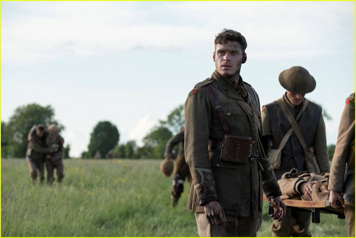 '1917' Is Making Way More Than Expected at the Box Office!: Photo 4413983   1917. Box Office. Dean-Charles Chapman. George Mackay. Movies. Sam ...
