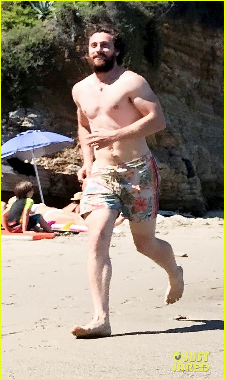 Aaron Taylor-Johnson Goes Shirtless During a Day at the ...