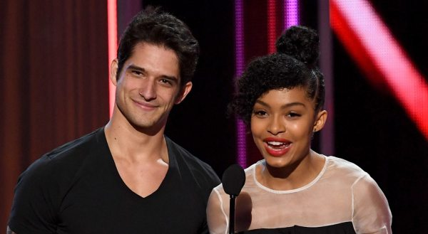 Tyler Posey Presents People Choice Awards 2017 Leaked Video Scandal People'