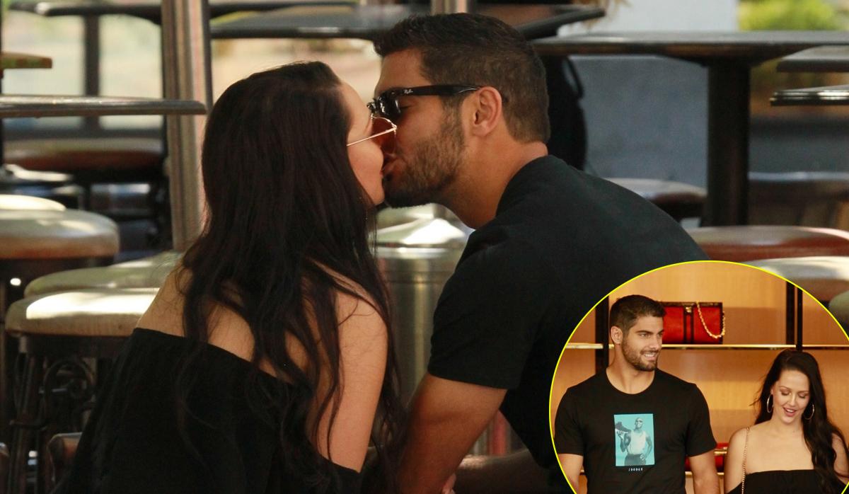 49ers Jimmy Garoppolo Plants Kiss on Girlfriend Alexandra King  Alexandra King Jimmy