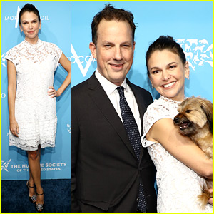 Sutton Foster Hosts Humane Society Gala, Husband Ted Griffin Shows His Support