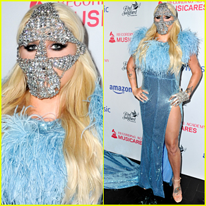 Kesha Makes a Statement in a Bold Mask at Concert for Recovery!