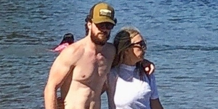 Aaron Taylor-Johnson Looks Buff at the Beach With Wife Sam ...