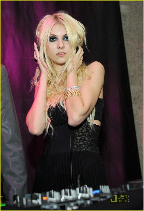 Versace at Taylor Momsen 2009