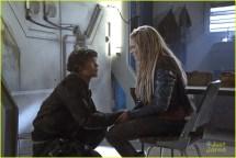 The 100 Clarke and Bellamy Kiss Season 5