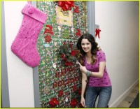 Nick And Disney TV: Laura Marano Shows Off Door Decorations!