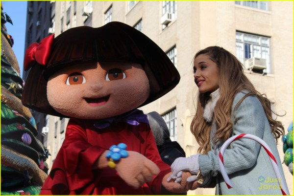 Ariana Grande Macy' Thanksgiving Day Parade Performance
