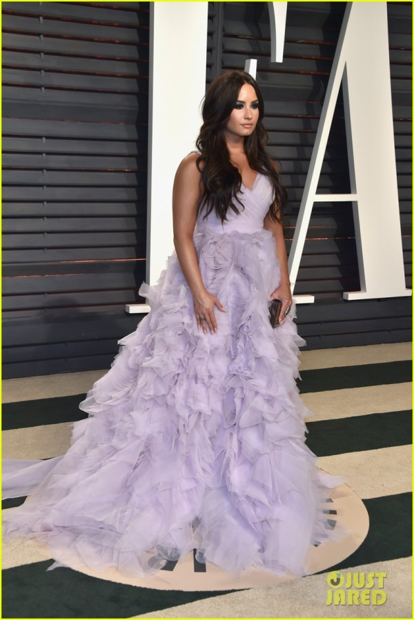 Demi Lovato Wears Ruffles Oscar Party & ' Obsessed