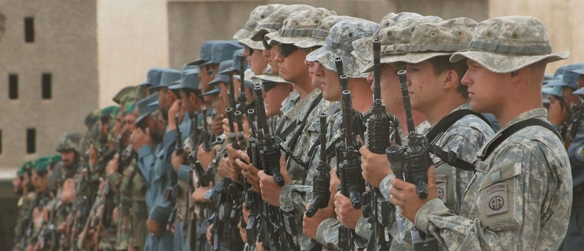 (U.S. Navy Photo/ Petty Officer First Class David M. Votroubek) www.army.mil