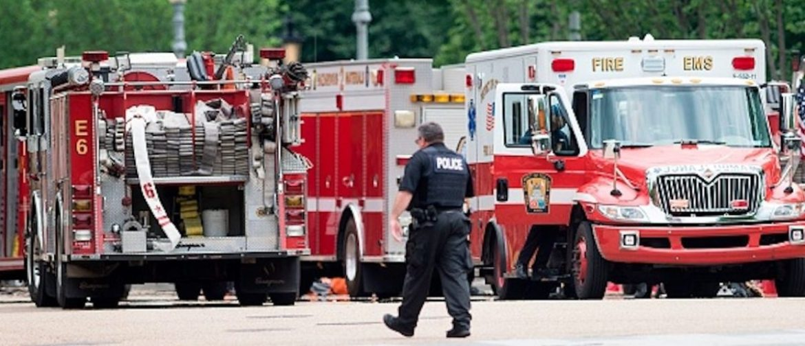 A member of the Secret Service walks past firetrucks and ambulances on Pennsylvania Avenue during a security lockdown of the White House grounds May 30, 2016 in Washington, DC. / AFP PHOTO / Brendan Smialowski        (Photo credit should read BRENDAN SMIALOWSKI/AFP/Getty Images) | DC Elementary Kids Hospital Overdose