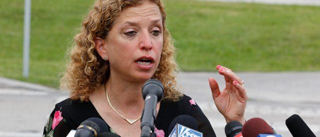 Debbie Wasserman-Schultz 'Praised' A Florida Immigration Center After Her Tour
