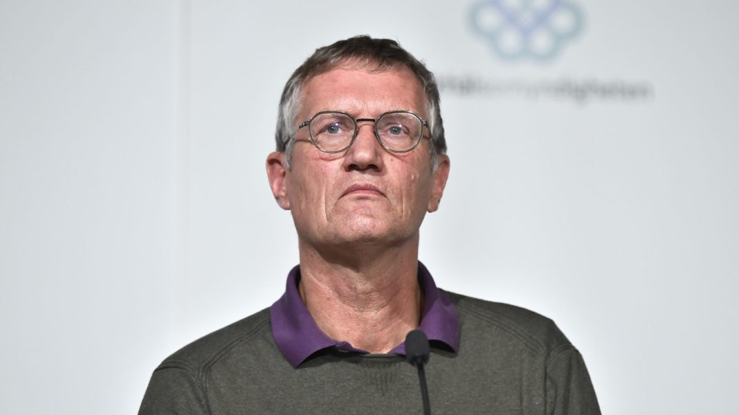State epidemiologist Anders Tegnell of the Swedish Public Health Agency holds a press conference updating on the coronavirus pandemic (Covid-19) situation, in Stockholm on October 6, 2020 (CLAUDIO BRESCIANI/TT News Agency/AFP via Getty Images)